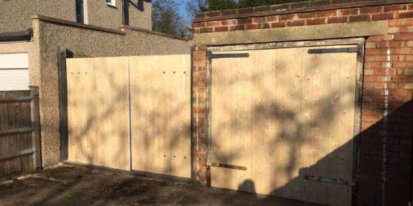 hinges replace garage doors locksmith
