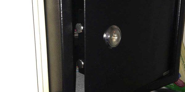open safe-deposit box in london