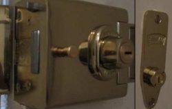 L2000 Deadbolt & M2002 Deadlock Keyed Alike 4 Keys